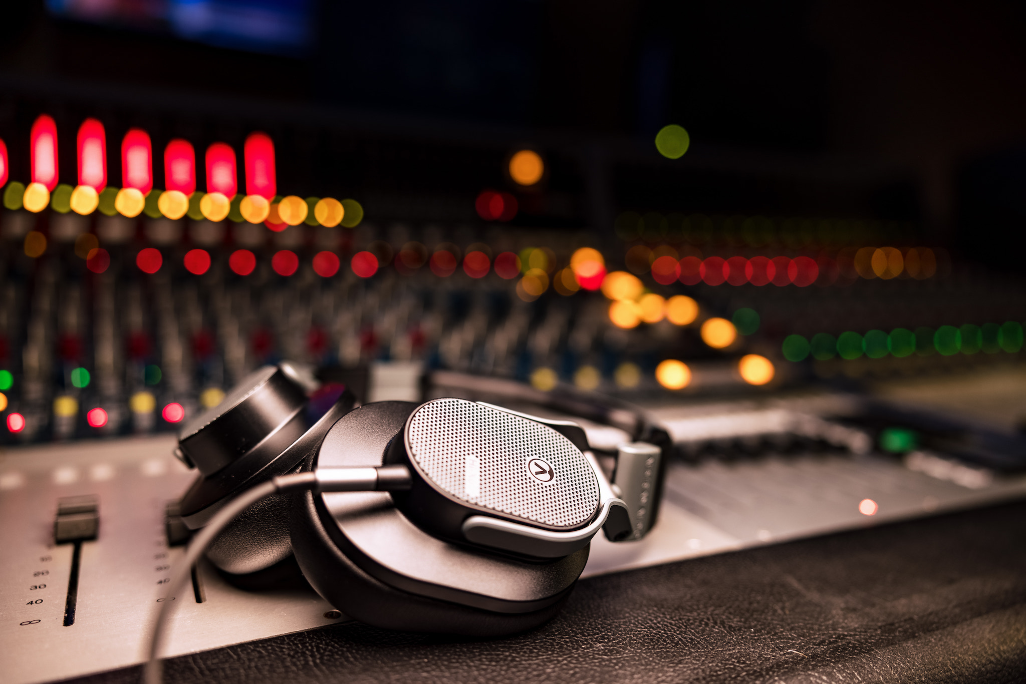 Mars Music Austrian Audio Hi-X65